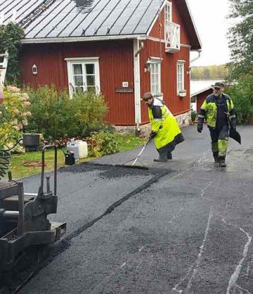 Kotitalon-pihan-kivetystyöt-ja-asfaltointi-2