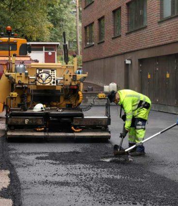 Taloyhtiön-piha--ja-katutyöt-ja-asfaltointi