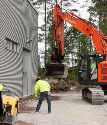 Teollisuuskiinteistön-pihan-asfaltointi-2